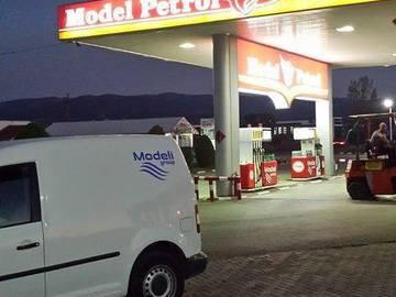 Kompani dhe Prodhusë: Model Petrol