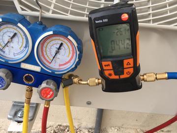 Profesionist: Elektro mekanik per klime dhe dhoma frigoriferike.