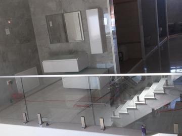 Kompani dhe Prodhusë: Glass -  Xhama