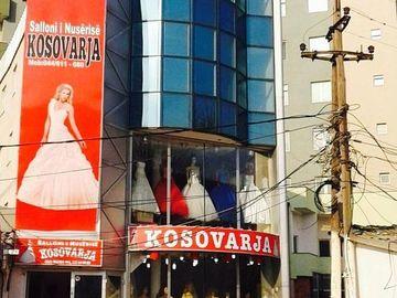 Kompani dhe Prodhusë: Salloni i nusris Kosovarja