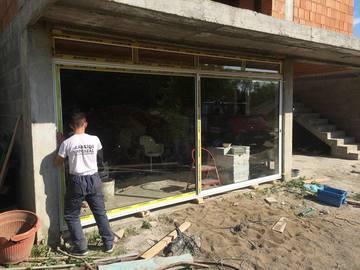 Profesionist: Dyre dhe dritare pvc edhe alumin