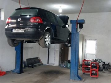 Profesionist: Auto Servis Te Uka