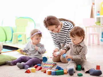 Profesionist: Kujdestare e Femijve
