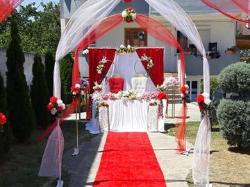 Jap me Qera: Tenda dhe dekorime