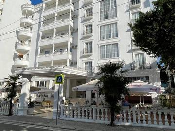Profesionist: Esal Hotel