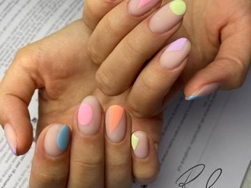 Profesionist: Rina Zaiti Nails