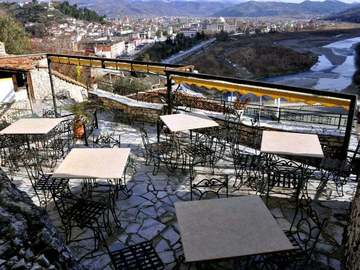 """Kompani dhe Prodhusë: Hotel Restorant """"Guva Mangalem """""""