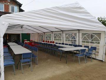 Jap me Qera: Tenda, Tavolina dhe Karrika me qera